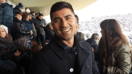 David Pizarro in tribuna laterale, sorride per Firenze Post