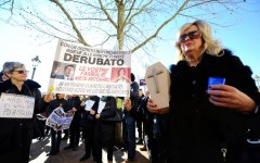 Banche salvate: a un anno dal decreto governativo i risparmiatori protestano davanti a Bankitalia