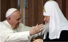 L'Avana, Cuba: storico abbraccio fra papa Francesco e il patriarca russo Kyrill