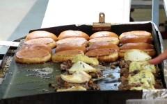 Confesercenti: boom di street food e negozi online