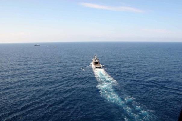 Soccorso peschereccio largo Calabria, salvi 446 immigrati