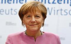 Berlino: Merkel si è accorta che l'Africa ci impegnerà ancora per decenni