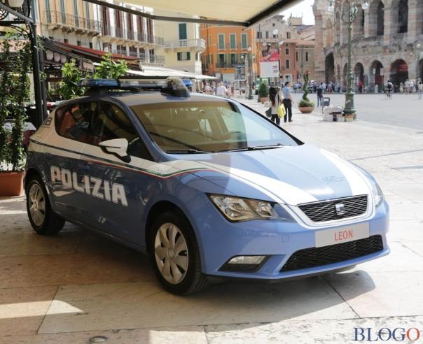 seat_leon_polizia_001