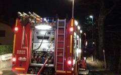 Firenze, incendio in un'autorimessa: evacuato nella notte palazzo con 24 famiglie