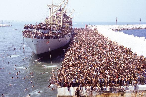 La nave vlora con 20.000 albanesi