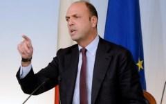 Immigrazione: Alfano al meeting Ncd annuncia, più poteri ai sindaci, meno ai prefetti