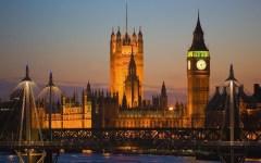 Londra, Brexit:  «Remain» in vantaggio nei primi sondaggi dopo l'assassinio di Jo Cox
