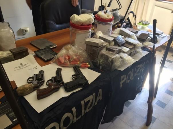 Droga e armi a Massa, 4 arresti dopo indagine con drone
