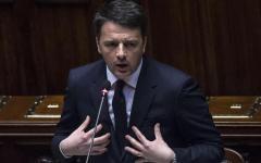 Riforme: Matteo Renzi parla nell'aula della Camera semivuota. Le opposizioni escono per protesta