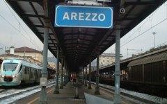 Arezzo: uomo di circa 40 anni muore travolto dal treno. Ipotesi suicidio
