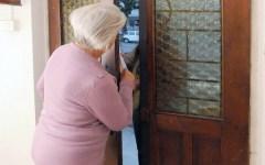 Firenze: due anziane truffate da falso addetto gas e falso poliziotto