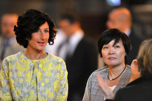 Italian First Lady Agnese Renzi and Japanese First Lady Akie Abe in the Salone dei Cinquecento of Palazzo Vecchio in Florence, Italy, 02 May 2016. ANSA/MAURIZIO DEGLINNOCENTI
