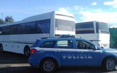 Massa: bus irregolare, gita scolastica annullata, gli studenti a lezione dalla polstrada