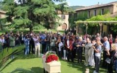 Giorgio Albertazzi: ultimo saluto laico nella tenuta della moglie, Pia de' Tolomei, alla Pescaia di Grosseto