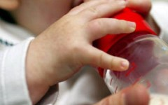 Collesalvetti: bimbo di 1 mese, affetto da palatoschisi, muore soffocato