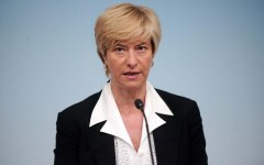Caso Scieri: il ministro Pinotti, è una ferita ancora aperta