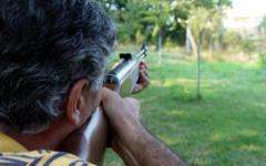 Montalcino: spara al cane del vicino, denunciato dai carabinieri. Sequestrate le armi