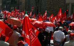 Pensioni: manifestazione del 19 maggio a Roma, dalla Toscana 66 pullman dei sindacati confederali
