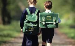 Scuola, zainetti troppo pieni: un dirigente scolastico li pesa e scopre che vanno da 8 a 10 chili