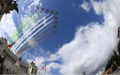Roma 2 giugno 2016, festa della Repubblica: l'alzabandiera e la parata alla presenza del Capo dello Stato