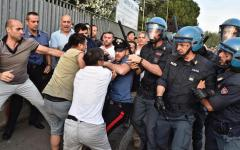 Firenze, rivolta cinesi: due arresti da parte dei carabinieri. Proseguono gli accertamenti