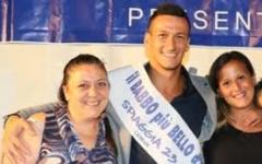 Il babbo più bello d'Italia 2016 è di Poggibonsi. Luigi Galiano, 25 anni, ha battuto 16 concorrenti