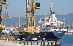 Carrara: indagine della procura impone lo stop all'operatività del porto