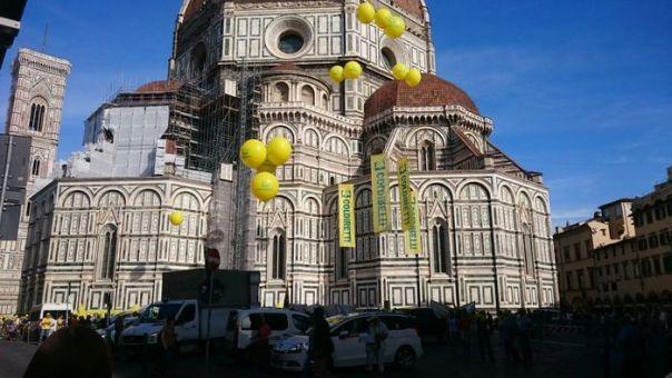 Ambiente: cinghiali in piazza Duomo a Firenze