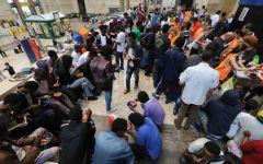 Migranti: centinaia allo sbando fra Ventimiglia, Chiasso e Milano, che si avviano a diventare le Calais italiane