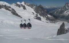 Monte Bianco: ripartita la funivia, turisti in salvo