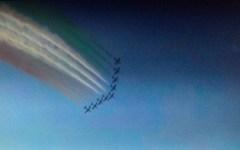 Tirrenia, Frecce tricolori: 100.000 persone ammirano le evoluzioni della pattuglia acrobatica (video e fotogallery)