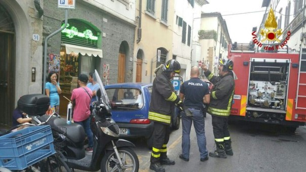 Vigili fuoco in via Serragli Firenze
