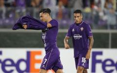 Maurito Zarate, con le lacrime agli occhi dopo il suo primo gol, si toglie la maglia. E dedica la rete alla moglie Natalie