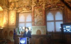Firenze, Renzi presenta la legge sul cinema: «Daremo 400 milioni l'anno. Ma non agli amici degli amici»