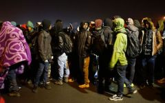 Calais, migranti: iniziato lo smantellamento della giungla