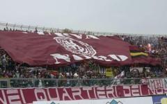 La curva nord del Livorno nella partita Livorno - Chievo Verona allo stadio Armando Picchi di Livorno, 13 aprile 2014 ANSA/RICCARDO DALLE LUCHE