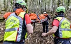 Careggine (Lu): cercatore di funghi trovato morto in un bosco da vigili del fuoco e volontari