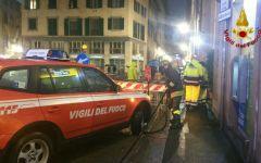 Firenze,piazza Salvemini: fuga di gas dalla rete di distribuzione, chiusi due negozi
