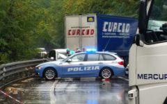 Ponte a Moriano (Lu). 43enne muore nello scontro frontale dell'auto con un Tir