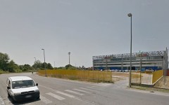 Viareggio: trovato il cadavere di un uomo davanti al Palazzetto dello Sport