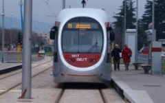 Firenze, tramvia: lunedì 14 in via Guasti si ribalta la corsia verso Careggi