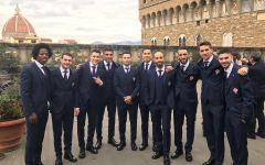 Fiorentina: Babacar & c sfilano agli Uffizi per il fotografo Sestini e gli sponsor. Fra il Botticelli e Ponte Vecchio