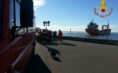 Livorno: continuano i controlli intorno alla nave incagliata. L'equipaggio è incolume