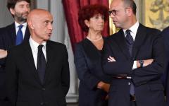 Immigrazione: mentre Minniti stringe accordi con la Tunisia Alfano annuncia altre intese per i rimpatri
