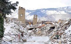 Pescara, soccorso alpino: nell'hotel Rigopiano di Farandola ci sono tanti morti. Due persone tratte in salvo