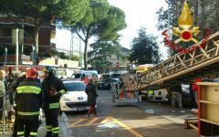 Sesto Fiorentino: incendio in una palazzina, donna ricoverata in codice rosso a Careggi