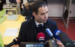 Parigi, primarie socialiste: Hamon (58,65%) supera Valls (41,35%). Sfiderà per l'Eliseo i candidati del centro e della destra