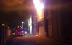 Firenze: un morto e due feriti per incendio in un capannone rifugio per extracomunitari somali a Sesto Fiorentino