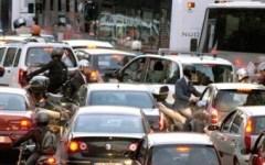 Firenze, traffico caos a Porta a Prato-Ponte alla Vittoria: incidente grave e autobus guasto