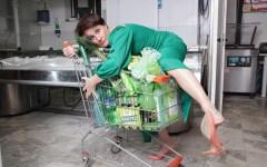 Firenze: al Teatro di Rifredi Antonella Questa in «Un sacchetto d'amore, ovvero i sentimenti al tempo dello shopping compulsivo»